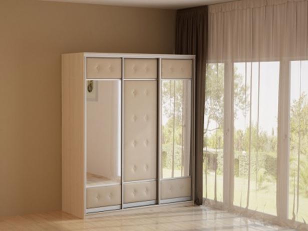 Светлый шкаф-купе 3-х дверный  Неро/Сезия зеркальный дуб шамони-беж